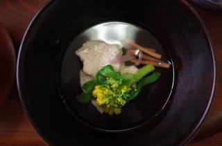 お食い初めすまし汁 鶏くずたたき・五木赤大根・博多金時・白菜菜花.jpg
